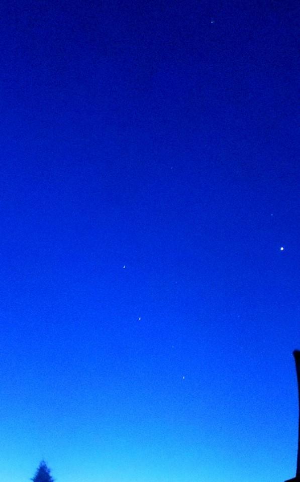 La tête dans les étoiles et les pieds sur terre, elle est belle notre chance dans Ciel 1208829_436336616482362_2110696591_n